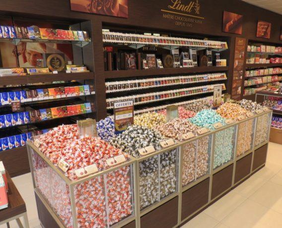 lindt shop milano, il 46esimo negozio monomarca del noto brand di cioccolato di qualità
