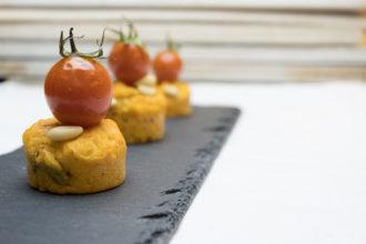ricetta Valbona, cake al pesto rosso Valbona, ricetta per Scuola Valbona, ricetta di marca su Frigo Magazine