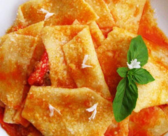 ricetta farine Petra, maltagliati con pomodorini e ricotta, ricetta della scuola di cucina La Nostra Cucina di Milano, ricetta di marca Frigo Magazine