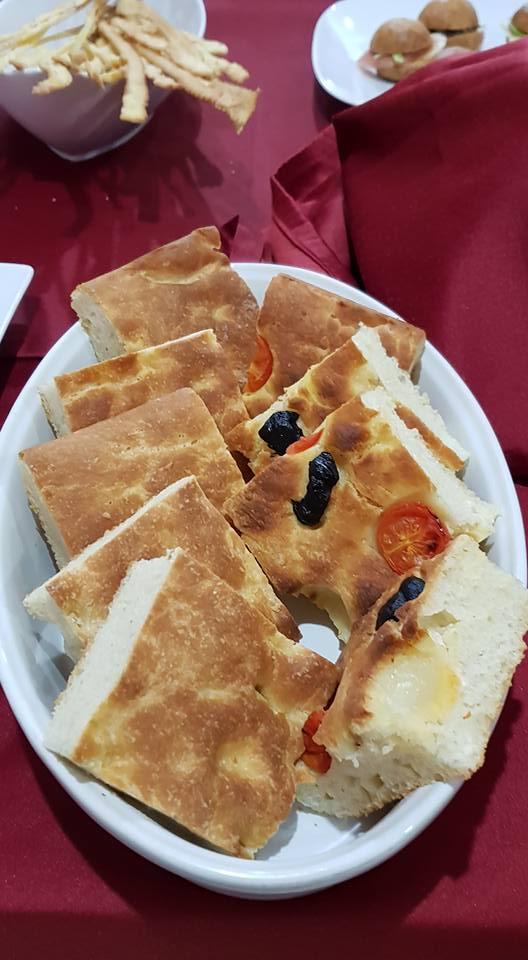 """ricetta farina petra, focaccia classica, ricetta della scuola di cucina Noi Chef di Latina, iniziativa """"A lezione di farina"""""""