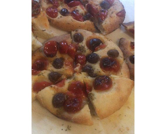 ricette farina Petra: pizza in teglia e focaccia, ricetta scuola di cucina Mind di Roma, iniziativa #alezionedifarina