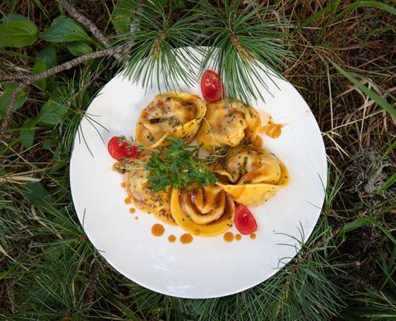 In Val D'Ega la cucina è una delle attrazioni che richiamano nei sette comuni appassionati della buona tavola da ogni parte del mondo.